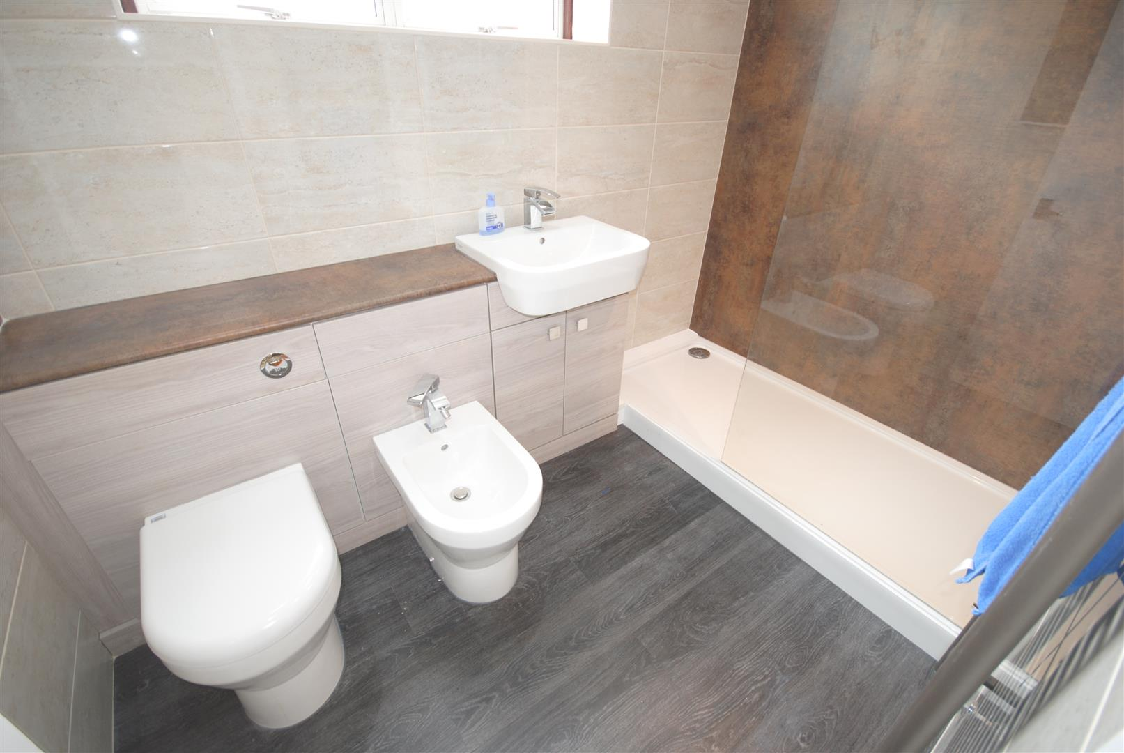 3 Bedrooms Detached Bungalow for sale in Douglas Bank Drive, Wigan